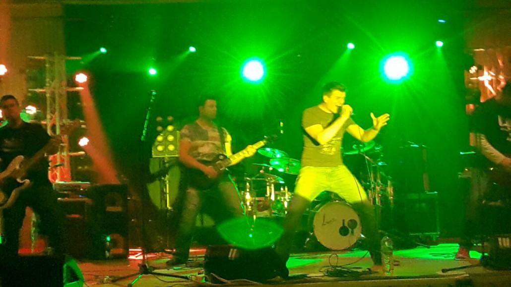 COVERNAUT Live auf der Bühne der ROCKNACHT in Troisdorf bei Köln